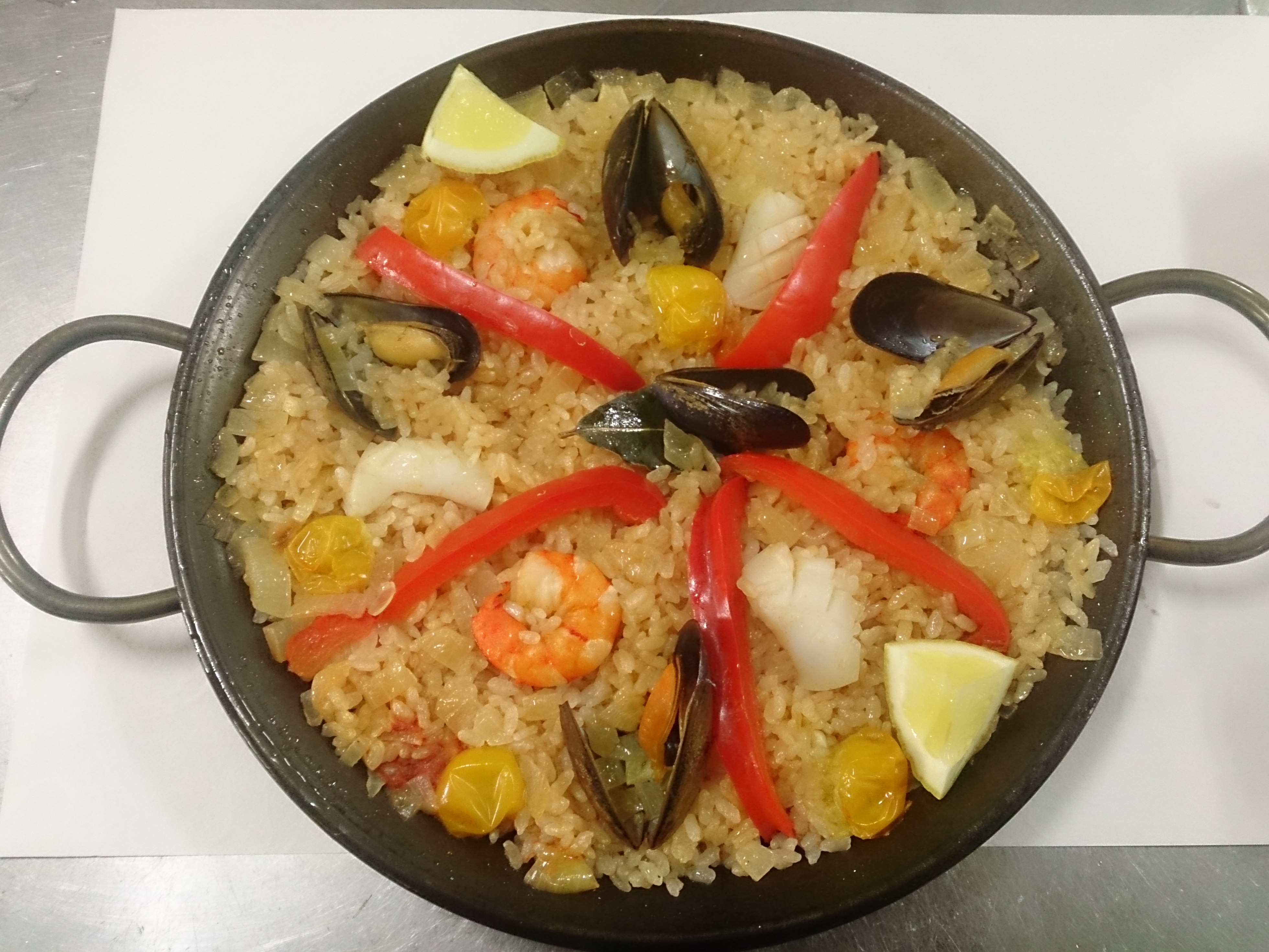 西班牙海鲜饭(要预约)