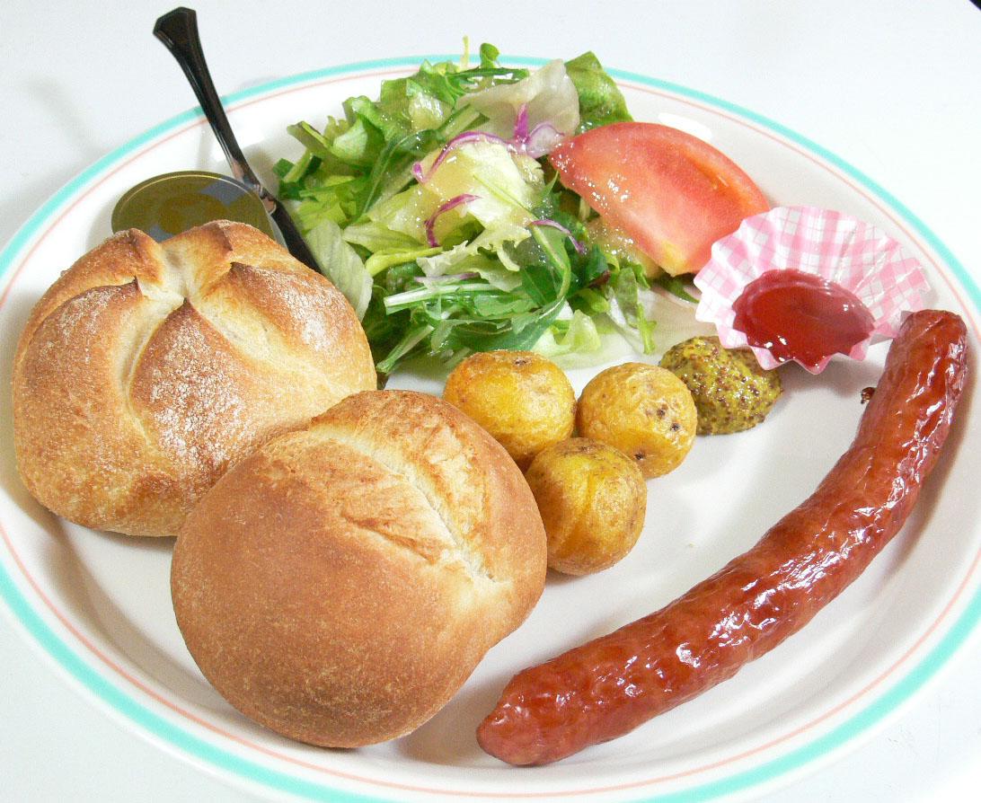石炉面包伊比利亚香肠拼盘客饭 \1,200日元