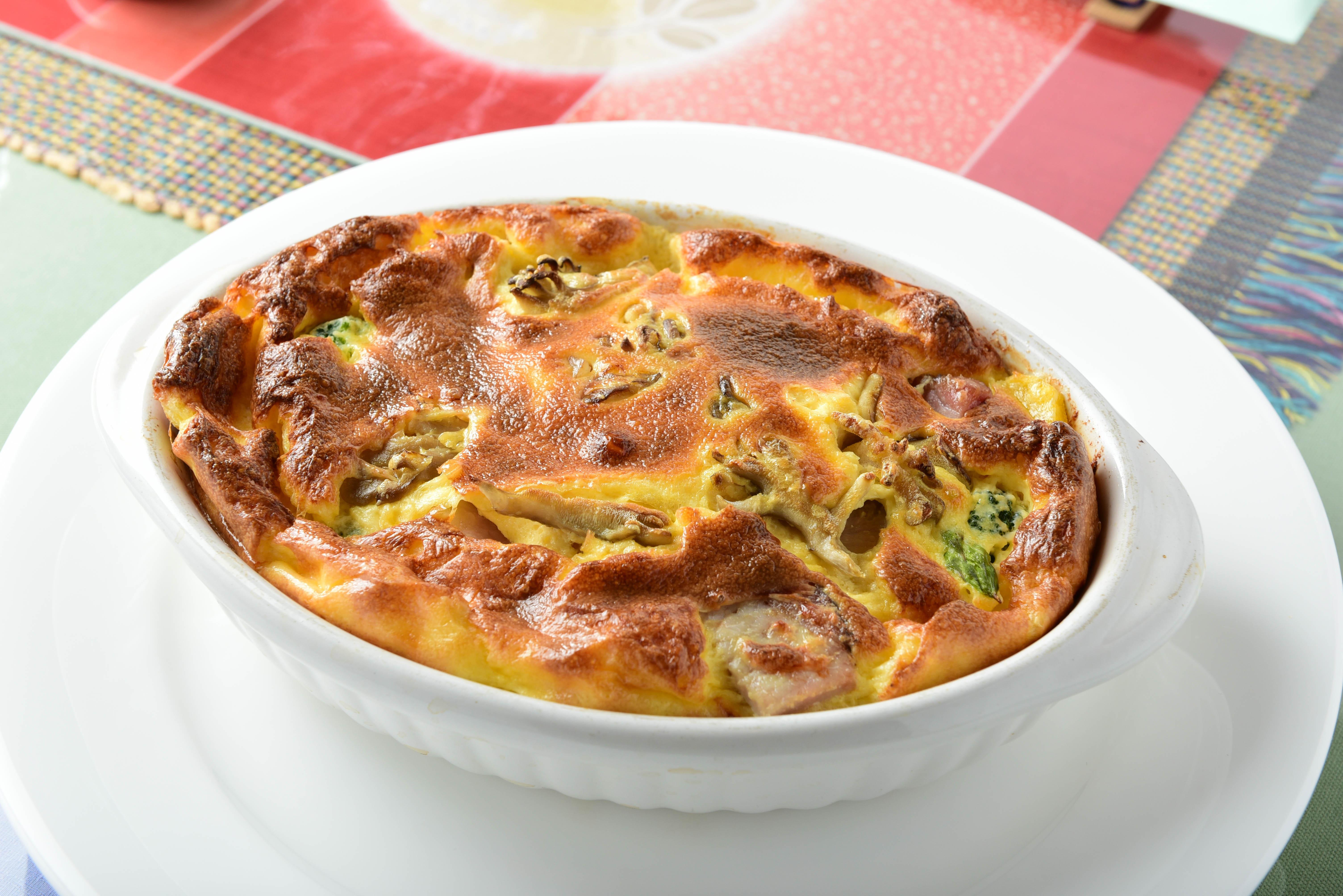 ディナー 野菜いっぱいのキッシュ/ステーキ/スープ/サラダ/フォンデュー